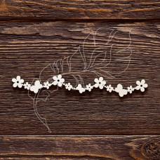 Чипборд. Бордюр из цветочков и бабочек, размер 12 × 1,7 см.