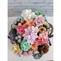 Цветы в бутонах