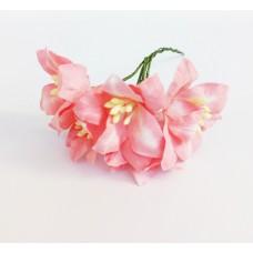 Декор для скрапбукинга Лилия, 3 см, цвет ярко-розовый, 1 шт.