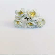 Цветок Вишни, цвет белый с дымчатым краем 2,5 см, 5 шт.
