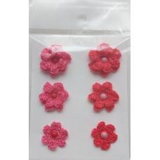 Набор вязаных цветочков 6 шт., 3 вида. Цвет арбузный и лососево-розовый.